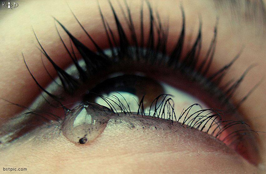 عکس چشم گریان با شعر